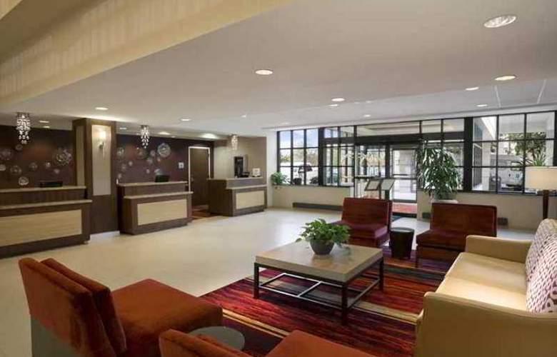 Embassy Suites Cleveland - Beachwood - Hotel - 0