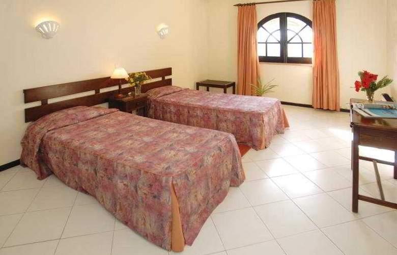 Colina Village - Room - 3