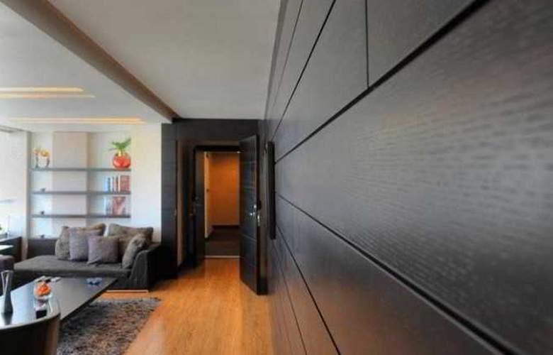 Orient Queen Homes - Room - 4