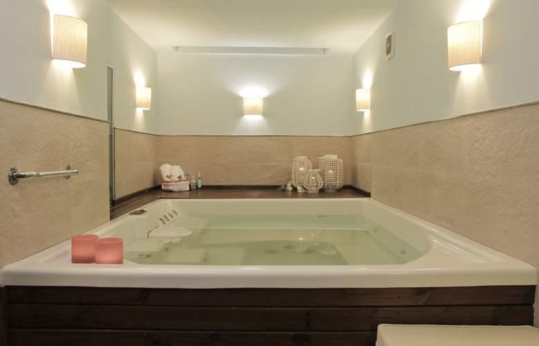 Duque Hotel Boutique & Spa - Pool - 11