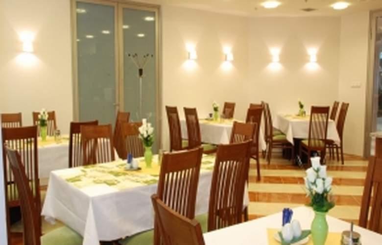 Ankora Hotel Prague - Restaurant - 4