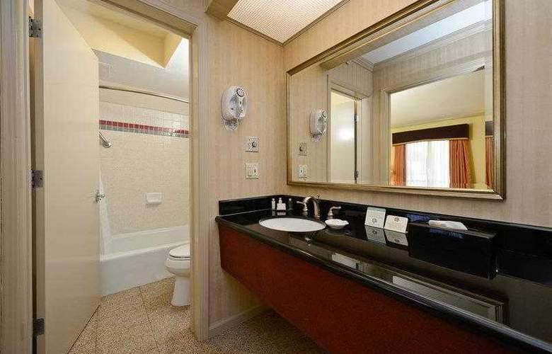 Best Western Plus Executive Suites - Hotel - 6