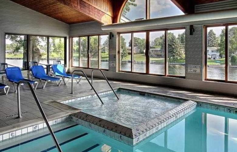 Best Western River Terrace - Pool - 24
