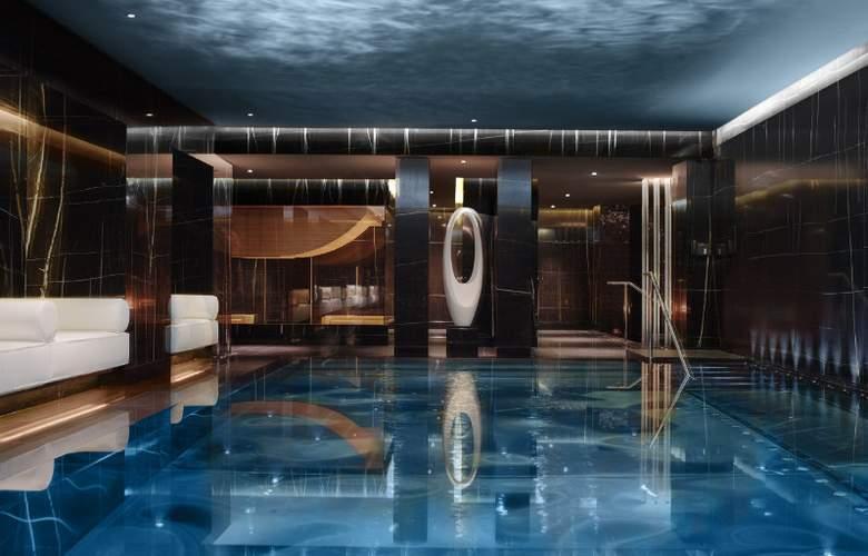 Corinthia Hotel London - Pool - 8