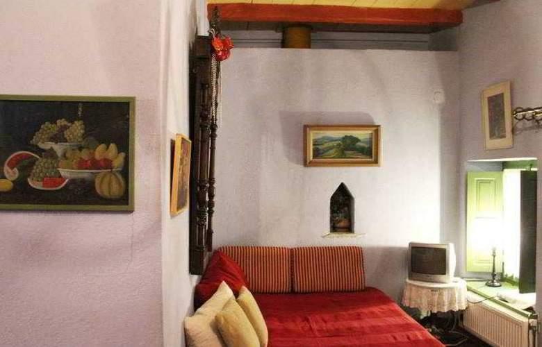 Efipoi Hotel - Room - 5