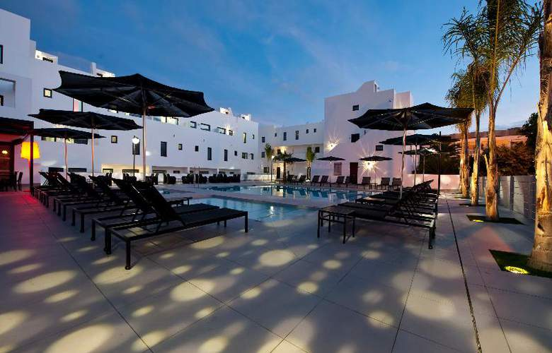 Migjorn Ibiza Suites And Spa - Pool - 11