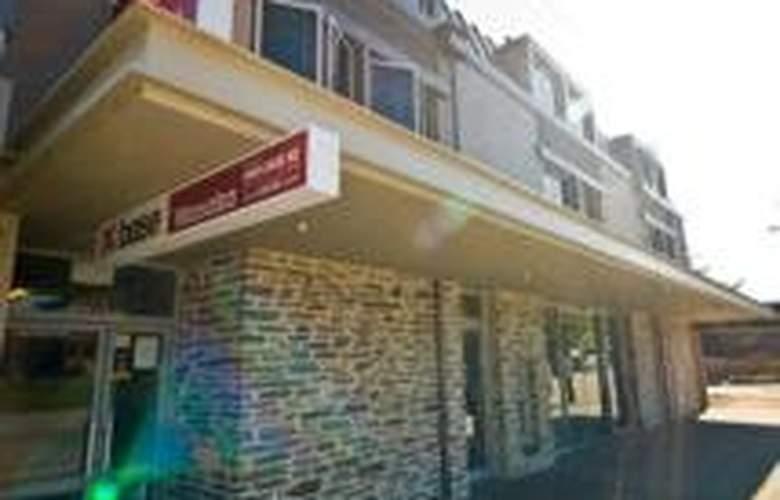 Base Wanaka - Hotel - 0