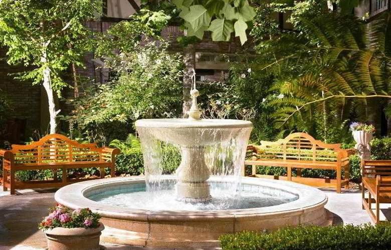 Anaheim Majestic Garden - Hotel - 12