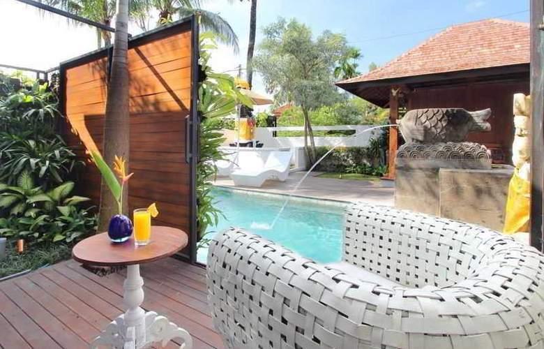 Berawa Beach Residence by Premier Hospitality Asia - Pool - 12