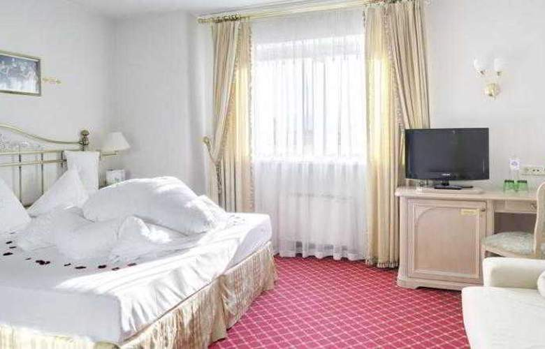 Romantik Hotel Schwarzer Adler - Room - 4