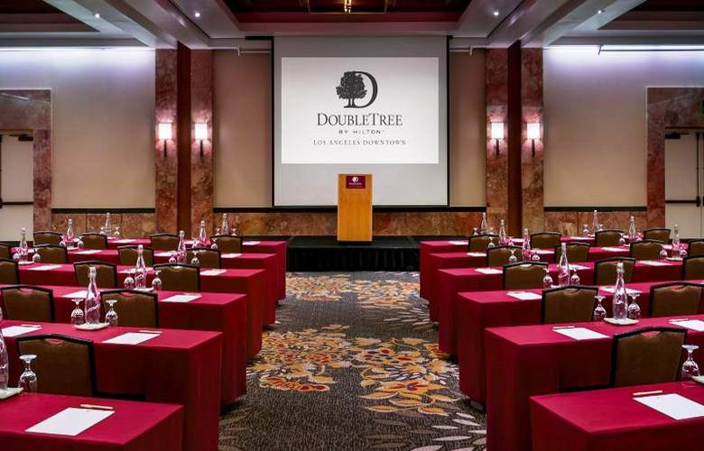 Doubletree by Hilton Los Angeles Downtown - Conference - 24