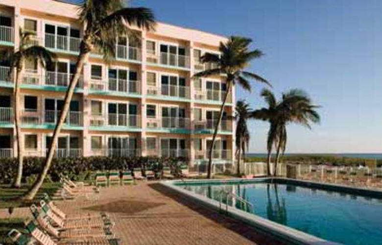Wyndham Sea Gardens - Extra Holidays - Pool - 3