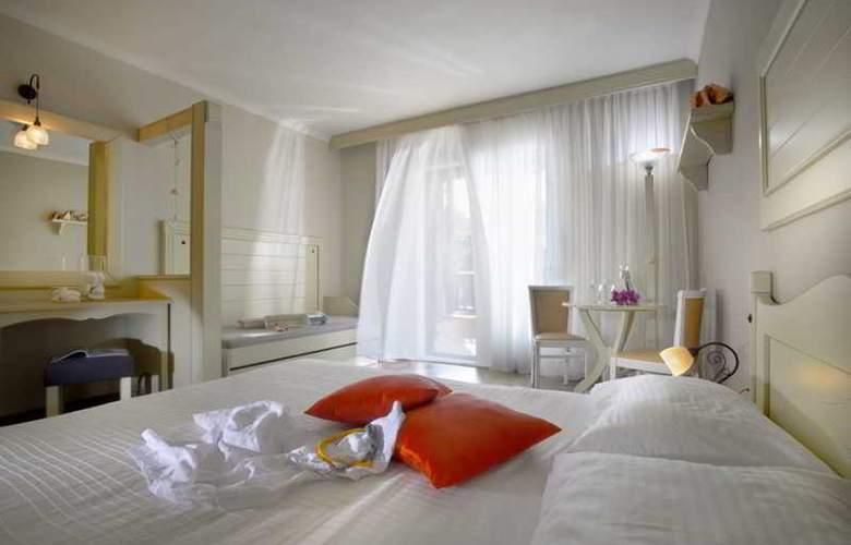 Athena Pallas Village - Room - 20