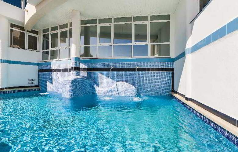 Globales Apartamentos Cala Viñas - Pool - 4
