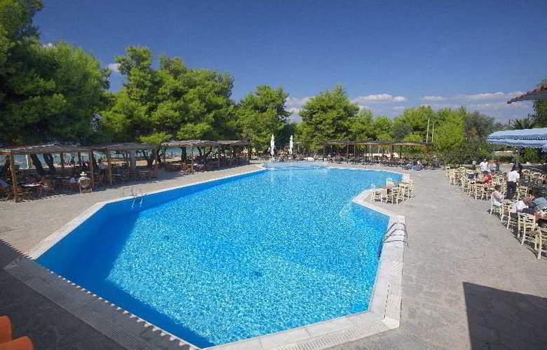 Portes Beach - Pool - 6