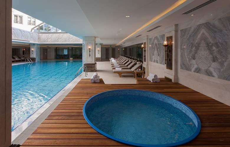 CVK Park Bosphorus Istanbul - Pool - 67