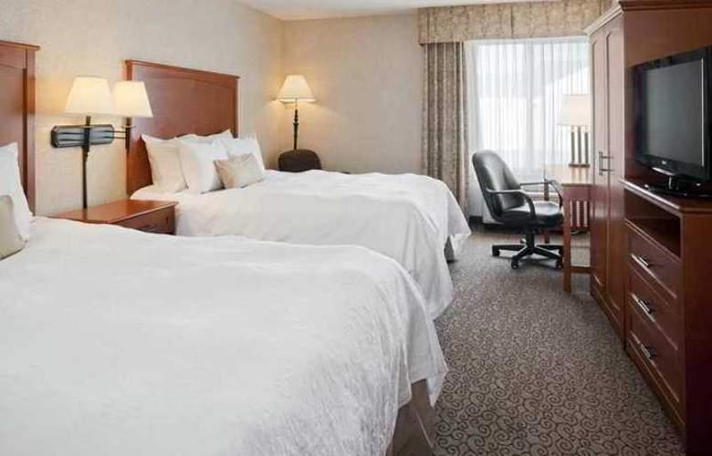 Hampton Inn Iowa City/Coralville - Hotel - 1