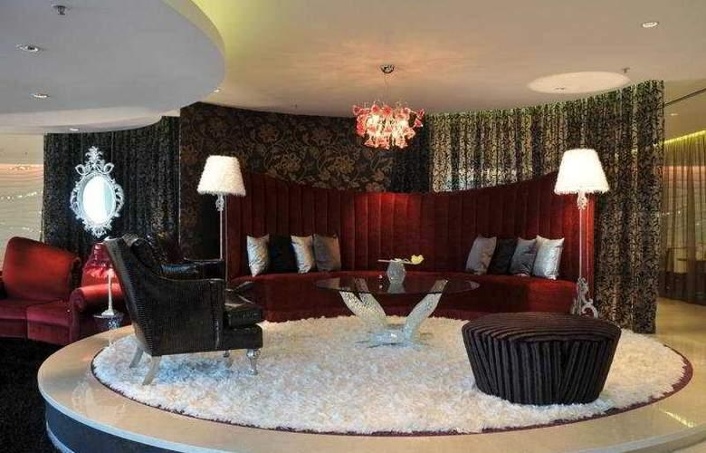 Crowne Plaza Johannesburg - The Rosebank - Bar - 5