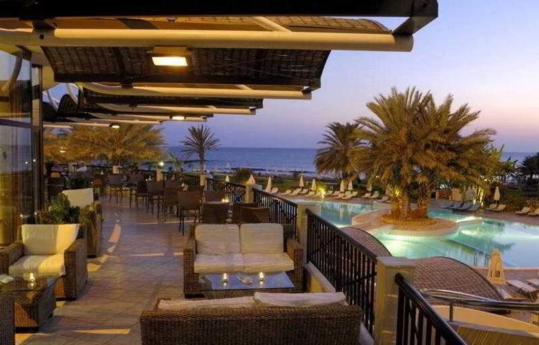 Constantinou Bros Athena Beach Hotel - Terrace - 12