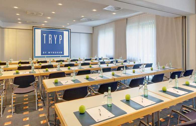 Tryp Dusseldorf Airport - Conference - 23
