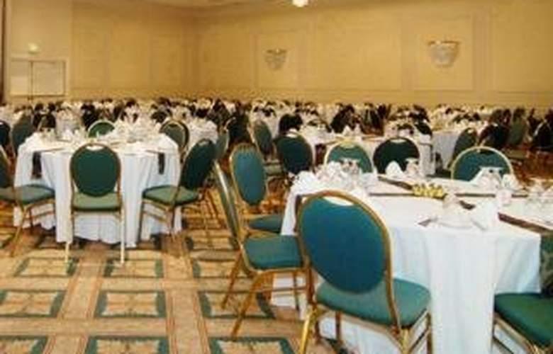 Clarion Hotel - Restaurant - 5