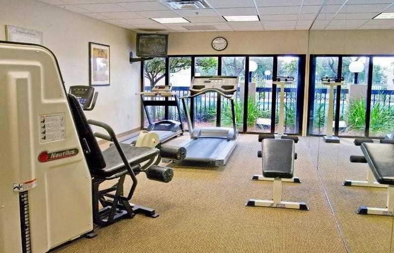 Holiday Inn Express Brandon Tampa - Sport - 24