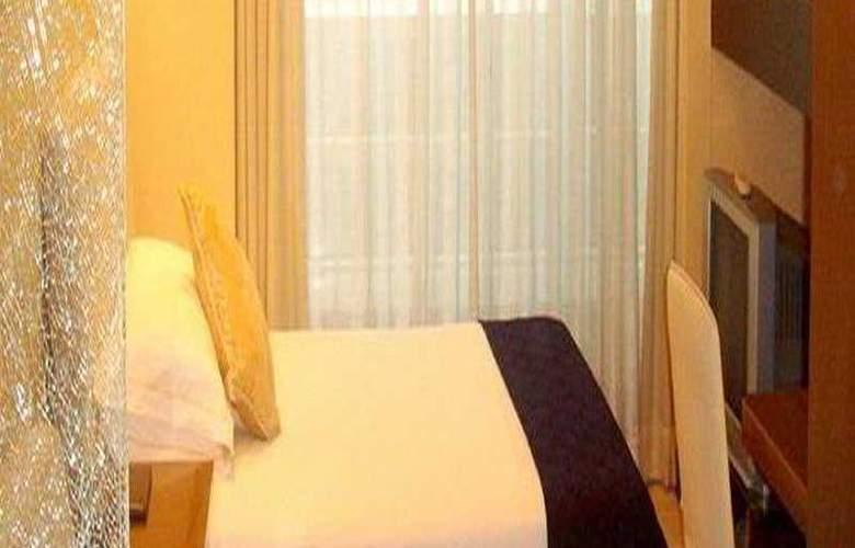 Luminous Service Apartments - Room - 2
