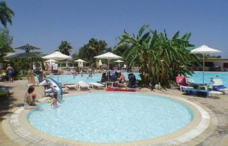 Sun Palace - Pool - 4