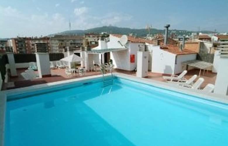 Aparthotel Bertran - Pool - 9