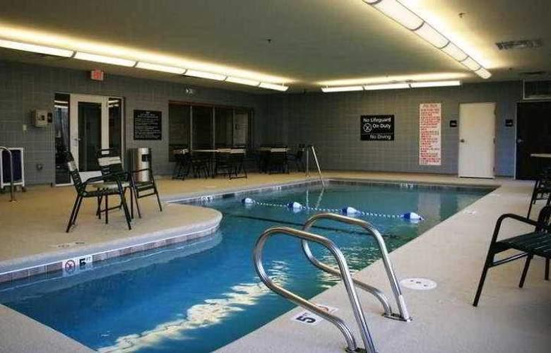 Hampton Inn & Suites Brunswick - Sport - 1