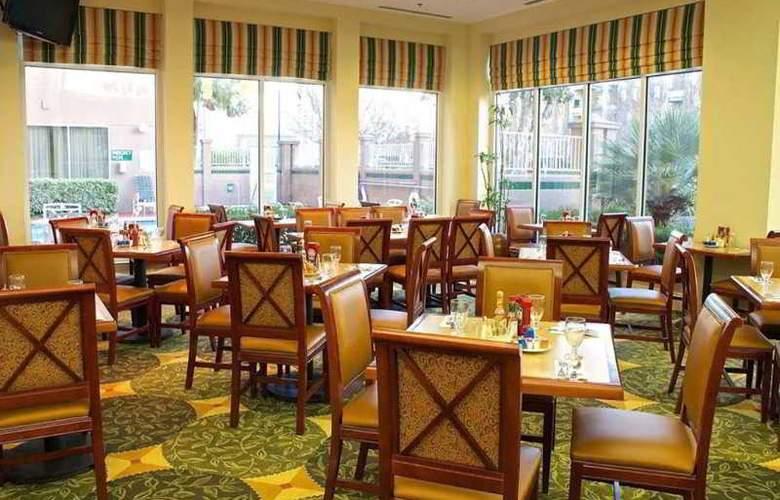 Hilton Garden Inn San Mateo - Restaurant - 11