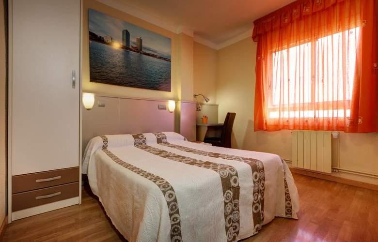 Hostal Barcelona  - Room - 5