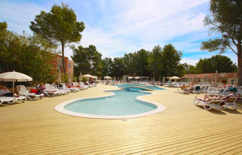 Fergus Club Europa - Pool - 4