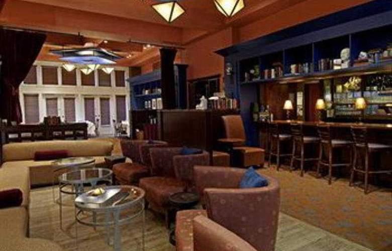 Alexis Hotel, A Kimpton Hotel - Bar - 5