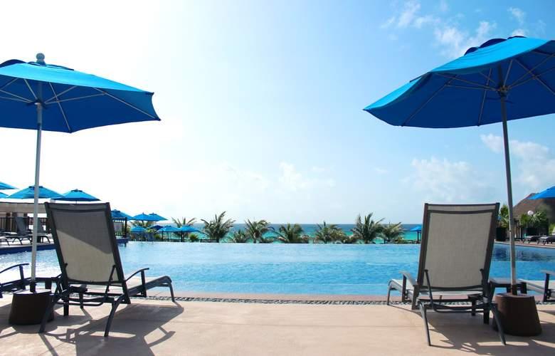 Seadust Cancún Family Resort - Pool - 29