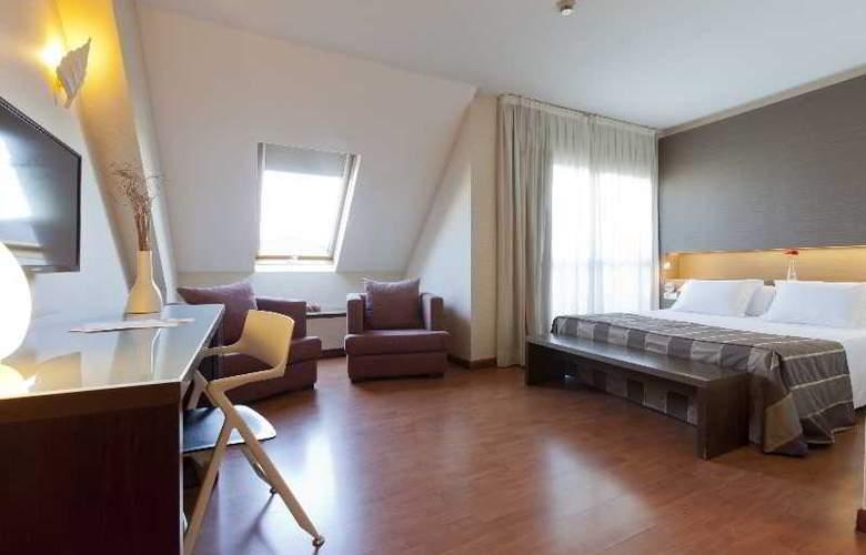 Vertice Sevilla - Room - 10