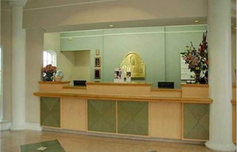 La Quinta Inn & Suites Houston Park 10 - General - 1