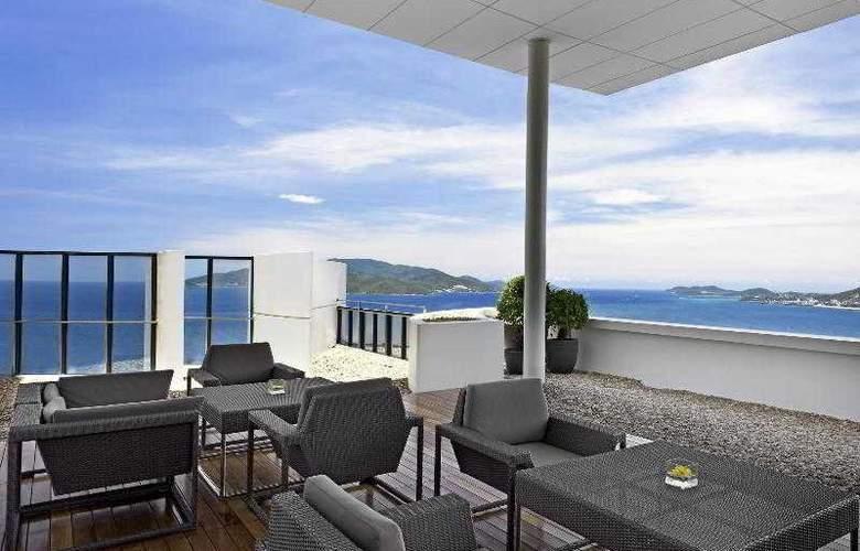 Sheraton Nha Trang Hotel and Spa - Terrace - 10