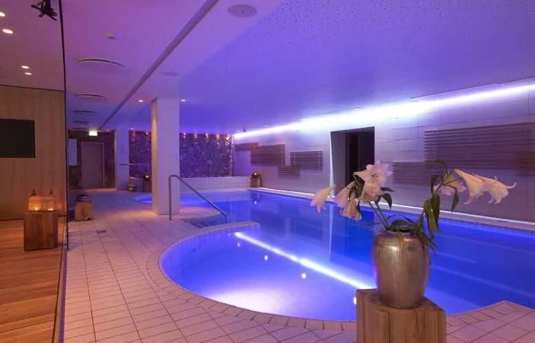 Icelandair Hotel Reykjavik Natura - Pool - 3