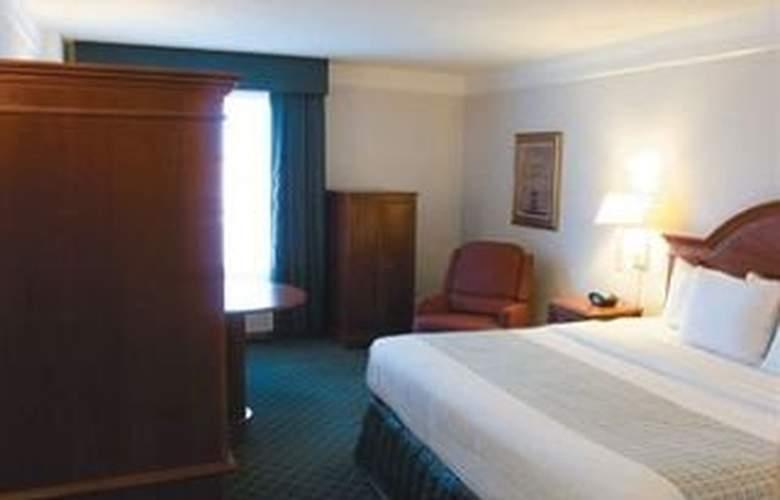 La Quinta Inn & Suites San Antonio Convention Cntr - Room - 4
