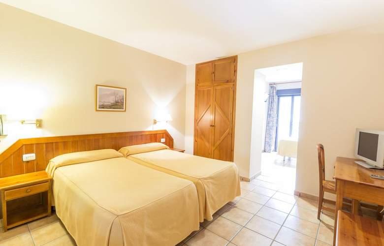 Paris Hotel - Room - 13