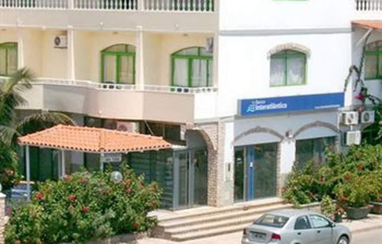 Pensao Nha Terra - Hotel - 4