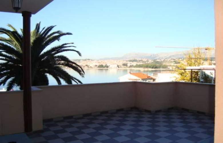 Villa Luketa - Hotel - 16