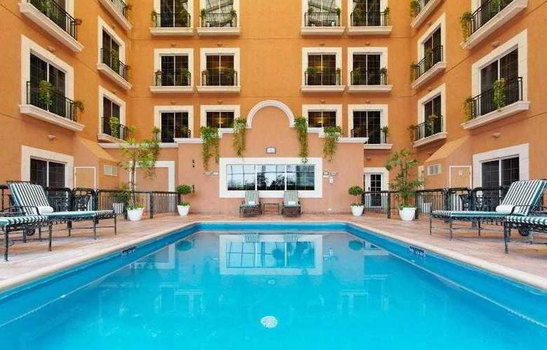 Holiday Inn Express Ciudad Victoria - Pool - 18