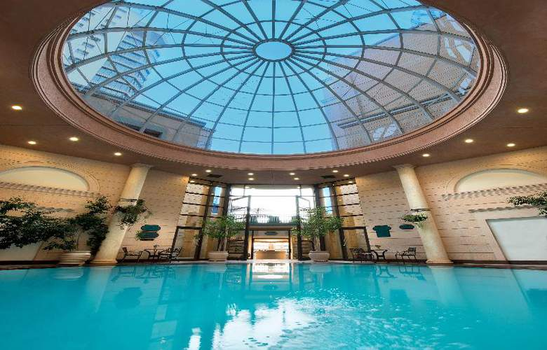 The Michelangelo - Pool - 3