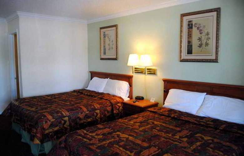 Econo Lodge Woodland - Room - 1