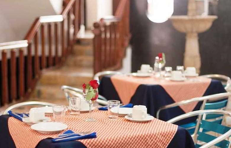 Chandelier - Restaurant - 2