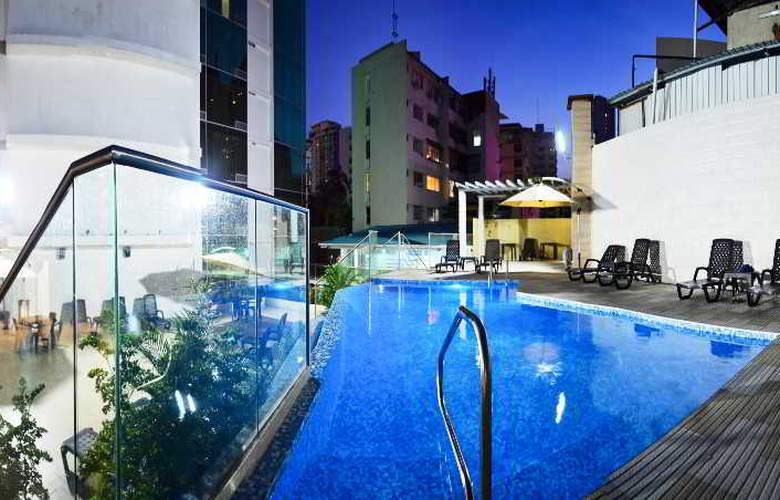 Grand International Hotel - Pool - 10