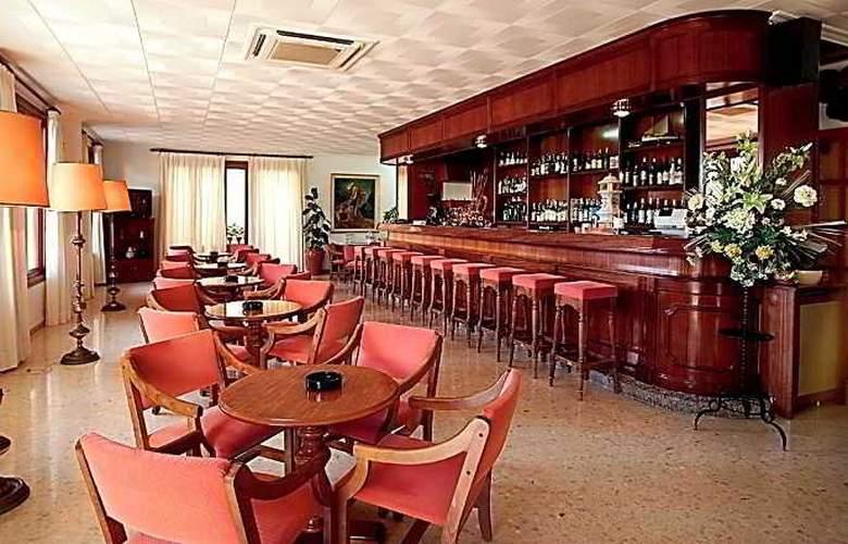 Gaya - Bar - 12