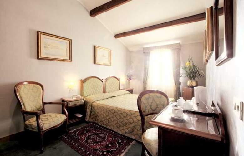 PAUSANIA - Room - 1